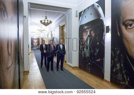 Petro Poroshenko And Stephen Harper