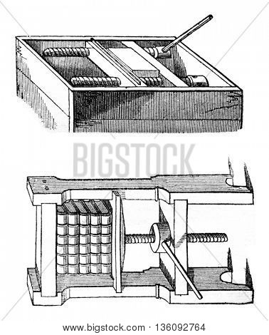 Press bookbinder, vintage engraved illustration. Magasin Pittoresque 1836.