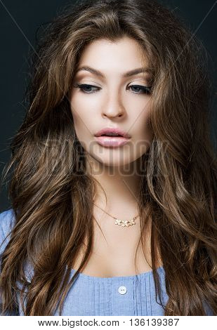 Glamour Portrait Of Beautiful Woman Model With Fresh Daily Makeup And Romantic Wavy Hairstyle. Fashi