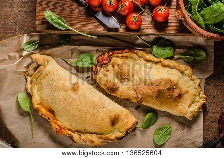 Calzone Pizza Rustic