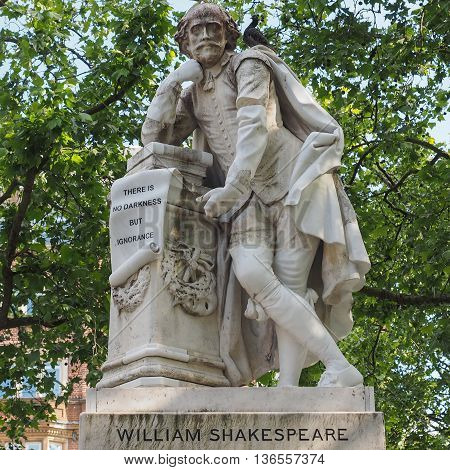 Shakespeare Statue In London