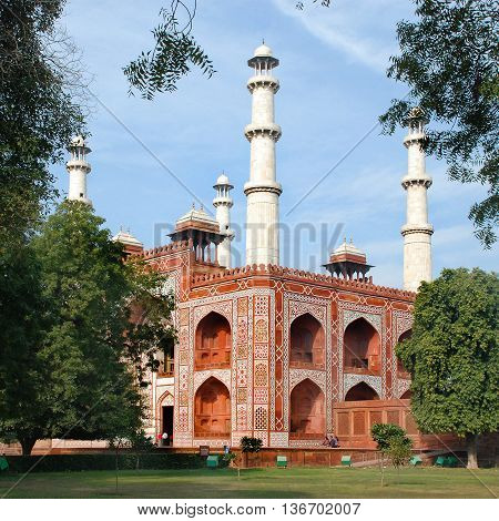 Agra. The Entrance building to the area of the Sikandra tomb of Mughul Emperor Akbar