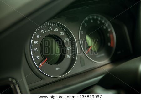 Closeup photography of car classic analogue speedometer