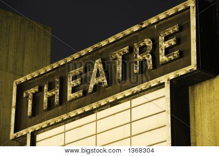 Vecchio teatro segno 2
