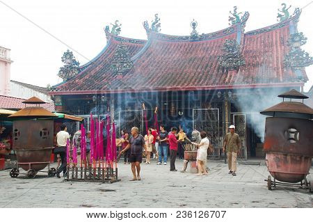 George Town, Malaysia - November 18 : Giant Incense At Kuan Yin Teng (goddess Of Mercy) Temple In Ge
