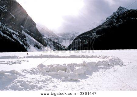 Lake Loiuse Canada