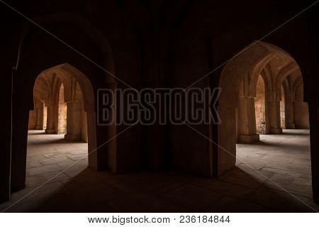 Mandu India, Afghan Ruins Of Islam Kingdom, Palace Interior, Mosque Monument And Muslim Tomb. Sunshi