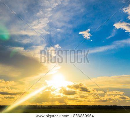 Bright Horizon Burning Heavens