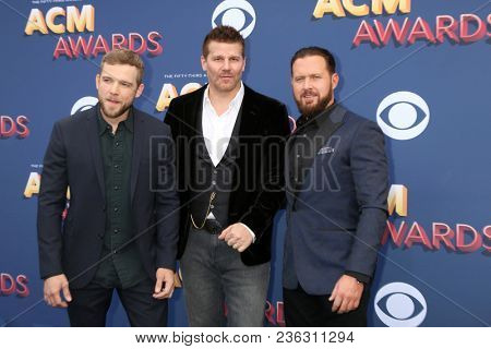 LAS VEGAS - APR 15:  Max Thieriot, David Boreanaz, AJ Buckley at the Academy of Country Music Awards 2018 at MGM Grand Garden Arena on April 15, 2018 in Las Vegas, NV