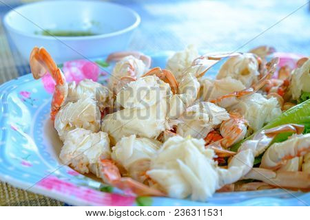 Steamed Crabs Peeled Off And Crab Meat Put It On A Plate