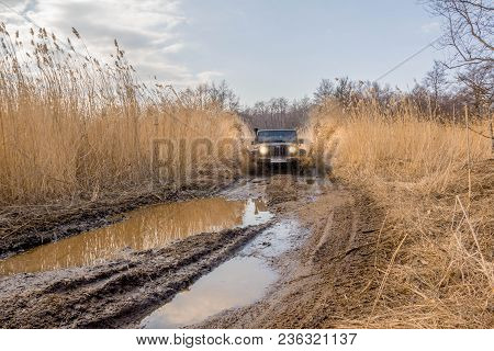 Gulf Of Finland. Leningrad Region. Russia. 15 April 2018: A Wrangler Rides Off-road Along The Gulf O