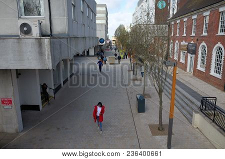 Bracknell, England - April 16, 2018: Wise Angle View Of Old And Modern   Buildings Along The High St