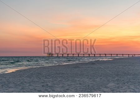 Stock Photography: Photo Of Sunset Over The Fishing Pier On Okaloosa Island In Fort Walton Beach/des