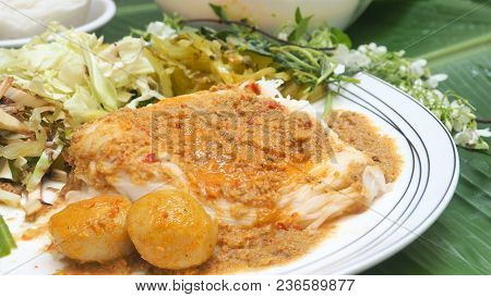 Rice Vermicelli With Fish Curry Sauce And Vegetable Thai Food Ready To Eat Or Lightly Fermented Rice