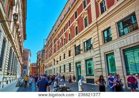Rome, Italy - May 17, 2017: Generic Picturesque Roman Building On The Streets Of Rome, Italy.