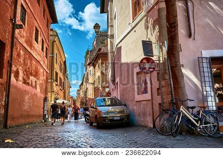 Rome, Italy - May 17, 2017: Generic Picturesque Roman Architecture On The Streets At Trastevere In R