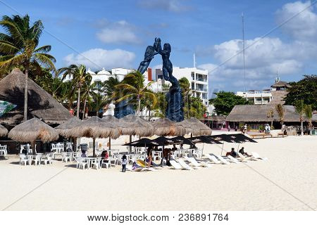 Playa Del Carmen, Mexico - Dec 24, 2012: Tourists Enjoy Cabanas At The Popular Cruise Ship Stop On M