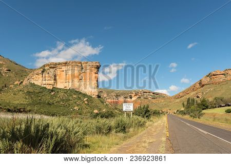 Start Of The Lichens Pass While The Brandwag (sentinel)  Guards The Entrance To Golden Gate In The E