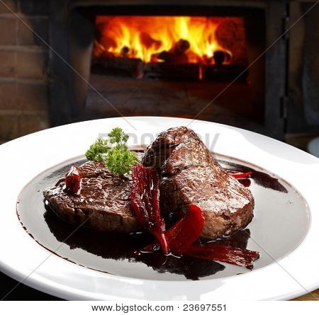 fillet mignon in red wine sauce with chili