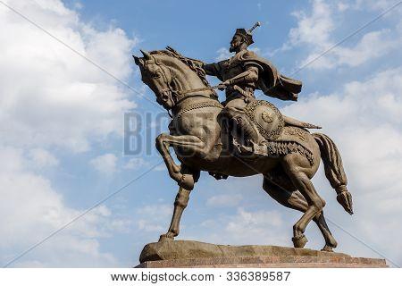 Tashkent, Uzbekistan - November 3, 2019: Amir Timur Monument. Monument To Amir Timur In The Amir Tim