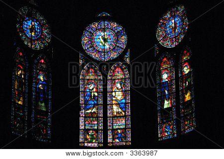Notredamestainedglass02