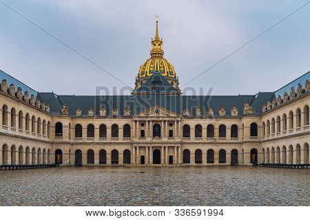 Les Invalides Hospital Inside Courtyard. Les Invalides Is The Burial Site For Napoleon Bonaparte.