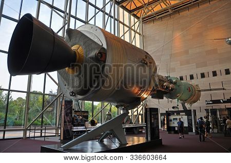 Washington Dc - Aug. 10, 2010: Apollo Soyuz Docked Together Display In Smithsonian National Air And