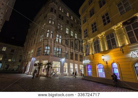 Vienna, Austria - November 6, 2019: Schultergasse Street, A Typical Narrow Street Of Innere Stadt Wi