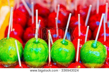 Apples In Caramel Night Christmas Market At Charlottenburg Palace Berlin Reflex