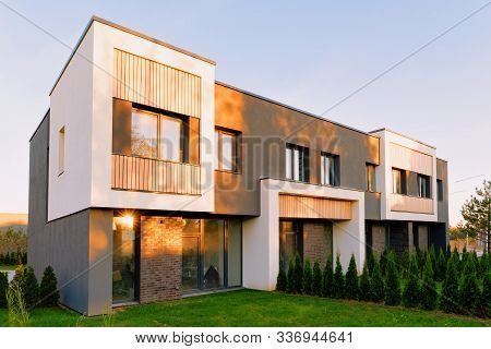 Apartment Townhouse Residential Home Architecture And Outdoor Facilities