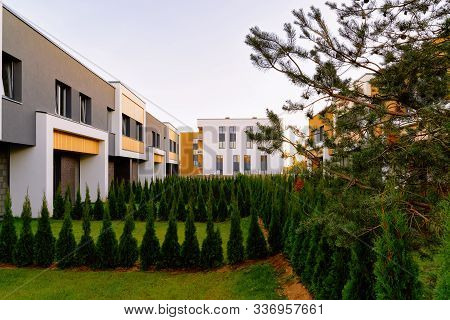 Apartment Townhouses Residential Home Architecture With Outdoor Facilities