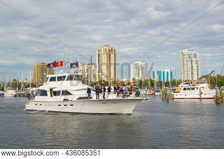 St. Petersburg, Fl, Usa - Jan. 26, 2019: Yacht On Central Yacht Basin With Modern City Skyline Inclu