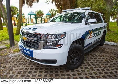St. Petersburg, Fl, Usa - Jan. 26, 2019: Chevy Police Suv On Duty At Municipal Marina In Downtown St