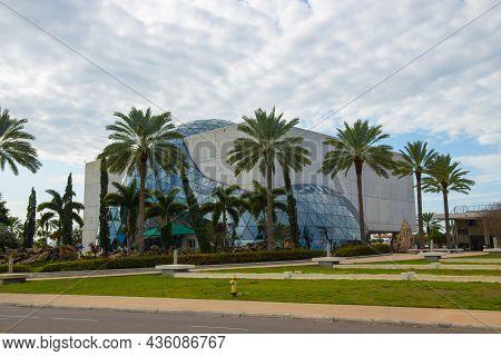 St. Petersburg, Fl, Usa - Jan. 26, 2019: Salvador Dali Museum Is An Art Museum Dedicated To The Work