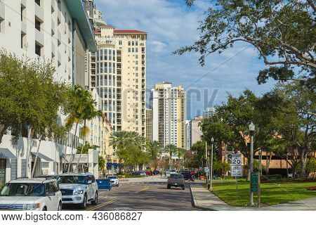 St. Petersburg, Fl, Usa - Jan. 26, 2019: Moden Residential Skyscrapers In Downtown From Beach Drive