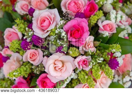 Beautiful Pink Roses Bouquet Natural Flowers Arrangement