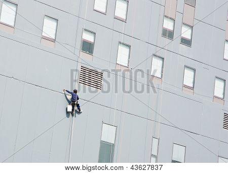 Steeplejack Is Plastering Skyscraper Facade