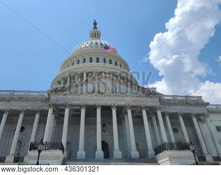 The Eastern Facade Of The United States Capitol Building, With A Close-up On The Main Entry Stair To