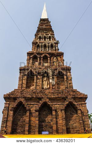Old Chedi In Wat  Phra That Hariphunchai