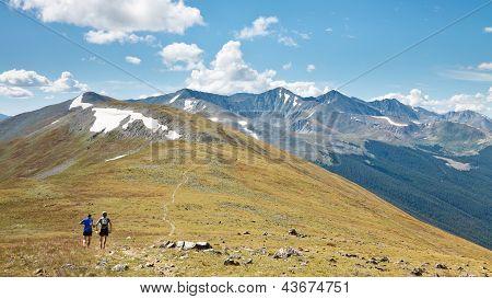Trail-Läufer in den Rocky Mountains, coloroado