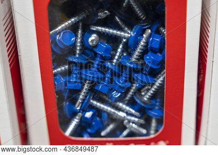 Blue Roofing Self-tapping Screws, Color Hat With A Rubber Lining, Roofing Self-tapping Drill.