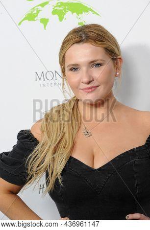 Abigail Breslin at the Environmental Media Association (EMA) Awards Gala held at the GEARBOX LA in Los Angeles, USA on October 16, 2021.