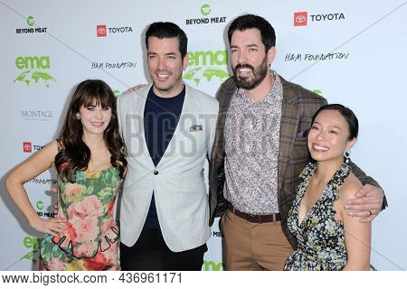 Zooey Deschanel, Jonathan Scott, Drew Scott and Linda Phan at the Environmental Media Association (EMA) Awards Gala held at the GEARBOX LA in Los Angeles, USA on October 16, 2021.