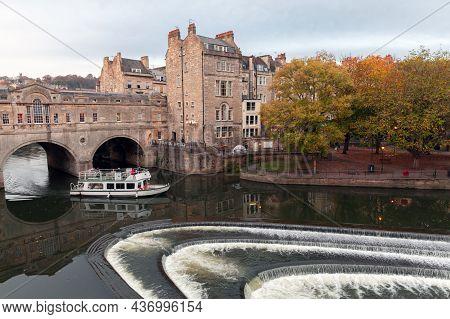 Bath, United Kingdom - November 1, 2017: Small Passenger Ferry Goes Near The The 18th Century Pulten