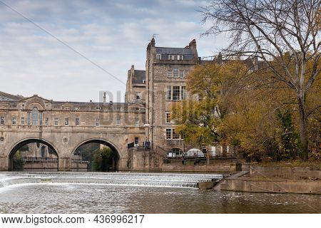Bath, United Kingdom - November 3, 2017: Old Town View With The 18th Century Pulteney Bridge, Design