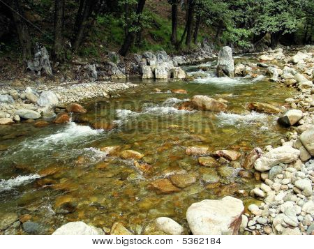 oltet mountain river