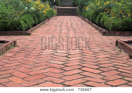 Garden Crossroads