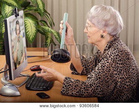Plumber advising online
