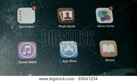 App Store On Ipad Mini 2 Screen Closeup