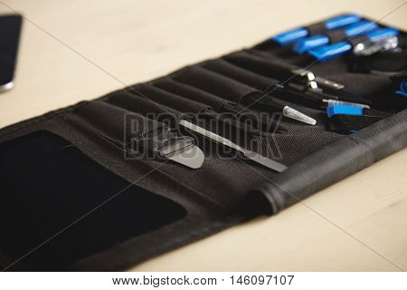 Portable tool kit hoder with special tools for electronic repairment